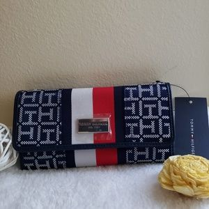NWT Tommy Hilfiger Wallet Red Blue White